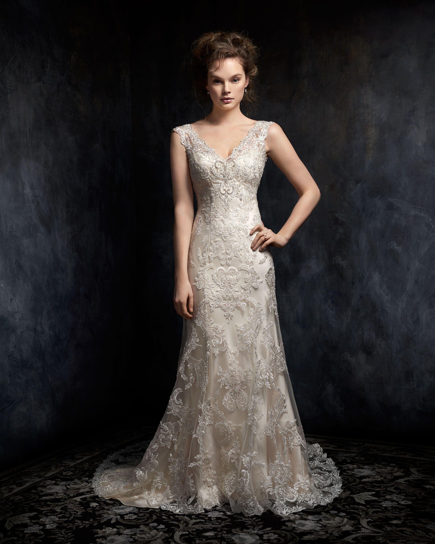 Vintage lace wedding dress. Vintage bridal gown. Removable