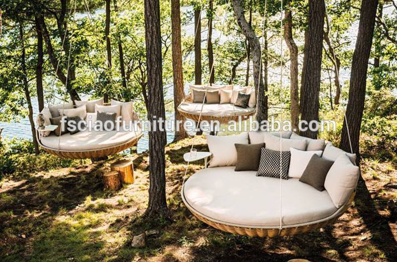 Round Rattan Outdoor Bed Outdoor Swing Hanging Bed Photo Detailed