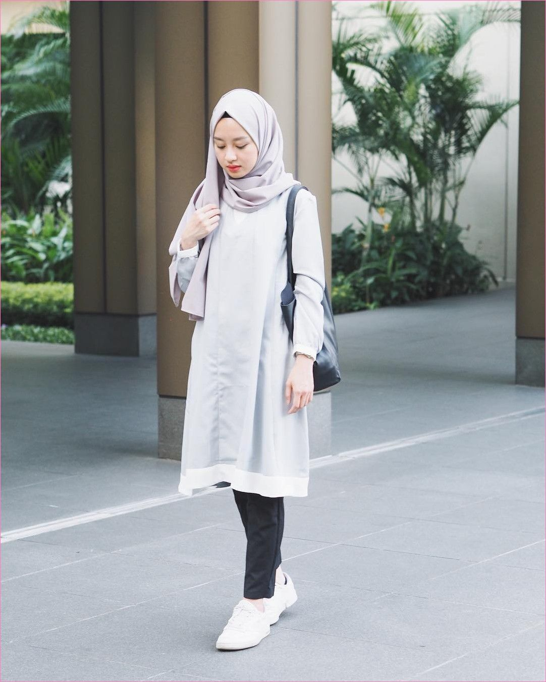 Hasil gambar untuk ootd hijab baju polos