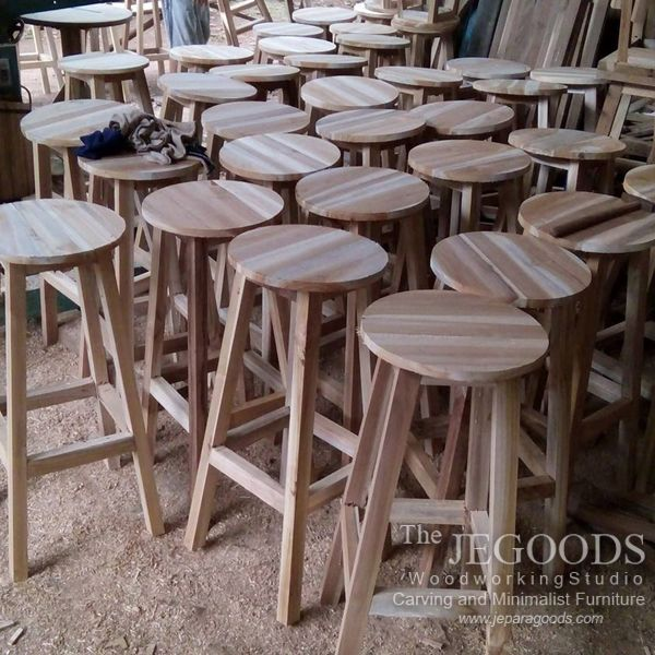 We manufacture and supply kitchen stool furniture ideal for private house or commercial use such as cafe and restaurant. Available at #wholesale price.   Browse our #furniture collection on www.jeparagoods.com   #kitchenstool #jeparafurniture #jeparagoods #vintagefurniture #retrofurniture #barstool #cafechair #kursicafe #teakfurniture #teakchair  #scandinaviafurniture #retrochair #teakstool #indonesiafurniture