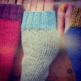 Photo of Einfache bunte Armstulpen stricken