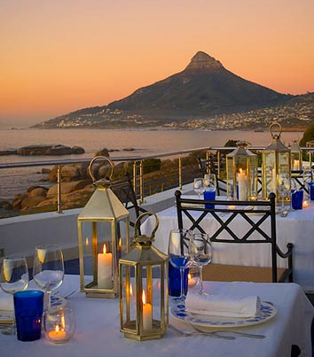 Cape Town Guide - USA Today Article Beside the view I LOVE the table decoration...