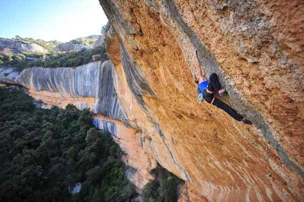 Climbing Era Bella in Margalef, Spain