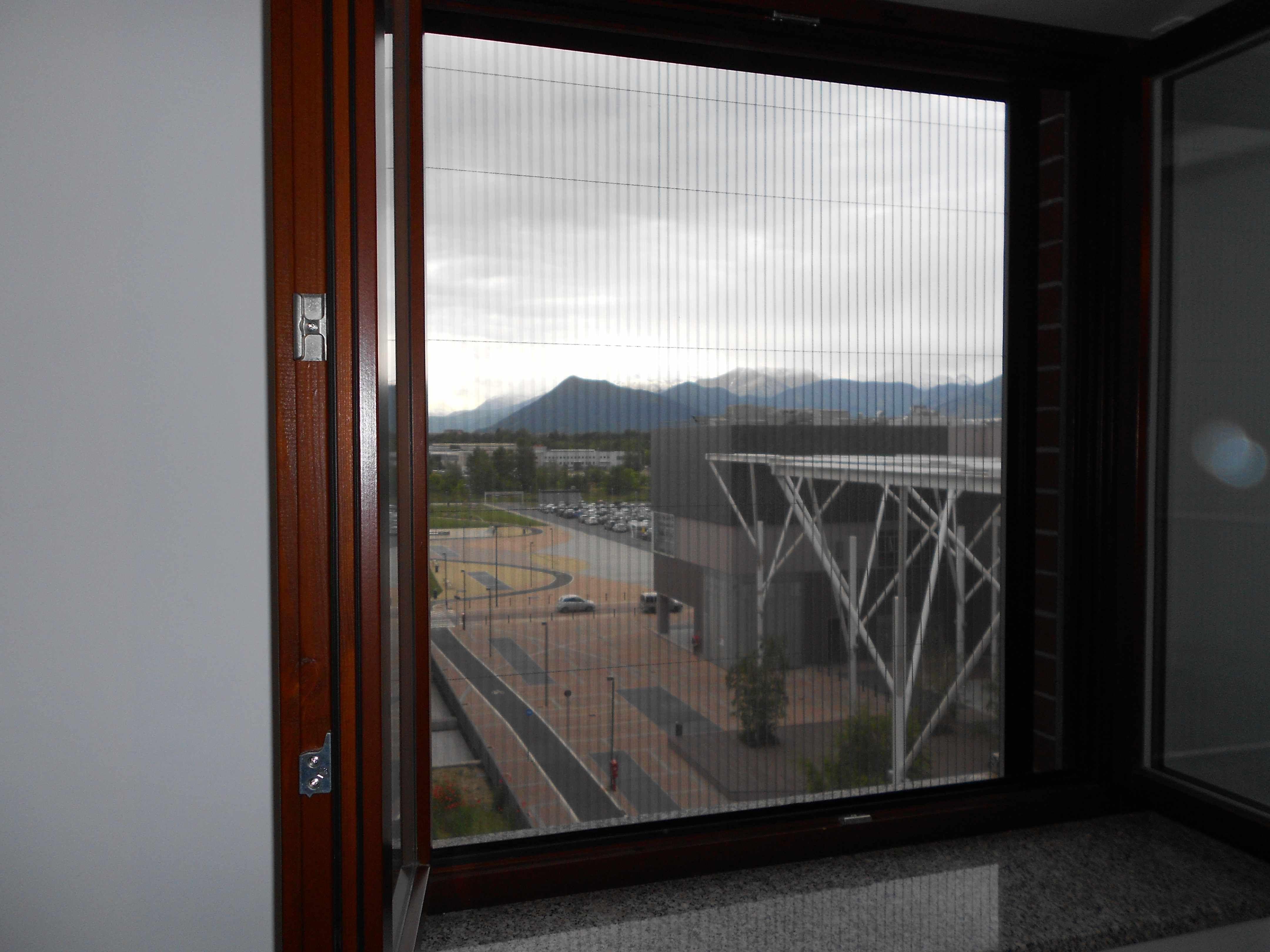 Zanzariera plissettata per finestra sottile sicura e senza
