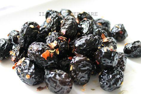 Olive nere cotte in padella. Ricetta facile e veloce vegan.