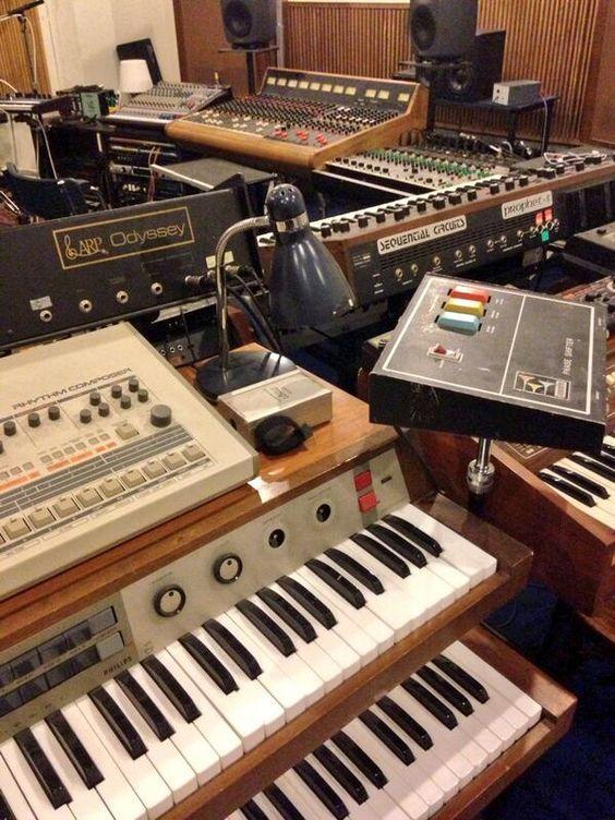 Recording audio studio equipment   Home studio music ...