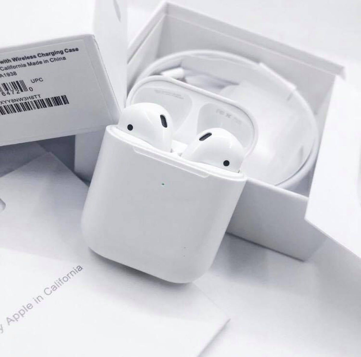 Apple Airpods 2nd Generation Apple Airpods 2 Iphone Earbuds Apple Products