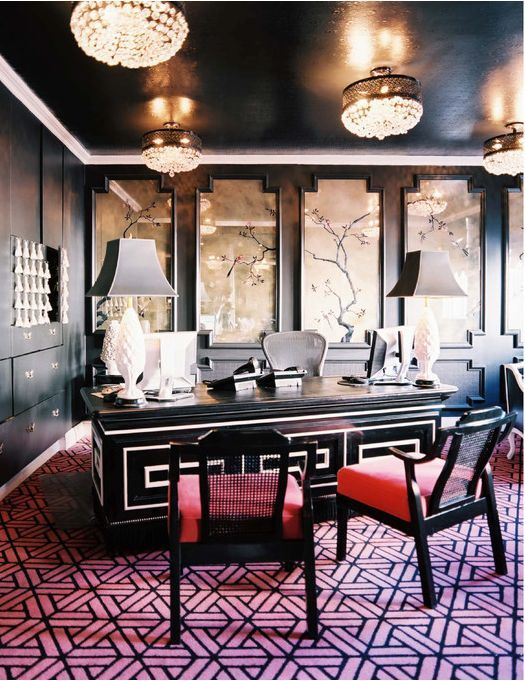Glam and dramatic office design with pops of pink #officedesign #glam #interiors
