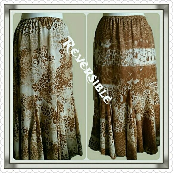 Beautiful Reversible Skirt. Size S Reversible Skirt by Multiples. Size S. Elastic Waist. Approx. 32 inches in length. Multiples  Skirts