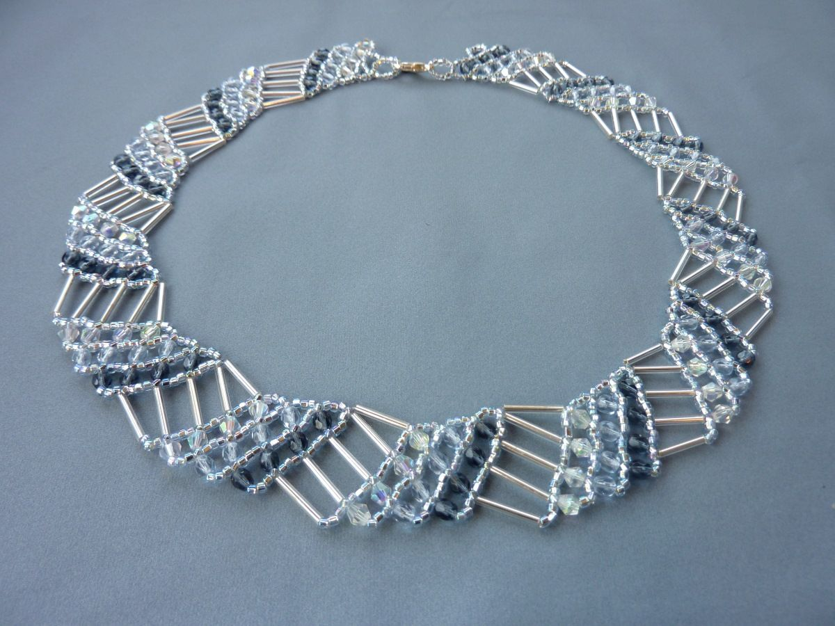 FREE beading pattern for geometric collar necklace made from seed beads, bugle beads, and 4mm crystals.