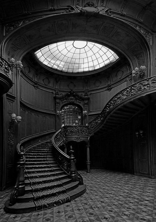 Dark mansion decor staircase victorian gothic arthur for Foyer meaning in english