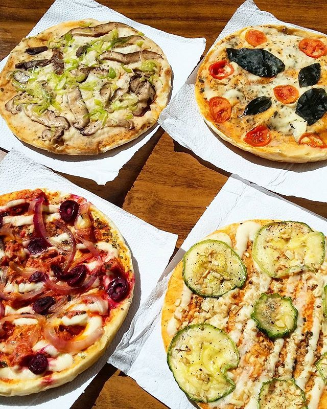 Pizza que pode ser boa e que também faz bem.  #florapizzabc #pizzavegana #pizza #pizzaporn #foodporn #foodie #instafood #vegetal #veg #vegetariana #vegana #semcarne #semlacteos #semlactose #queijovegetal #vegancheese #zucchine #shiitake #marguerita #calabresavegana #BalnearioCamboriu #itajai #joinville #itapema #santacatarina