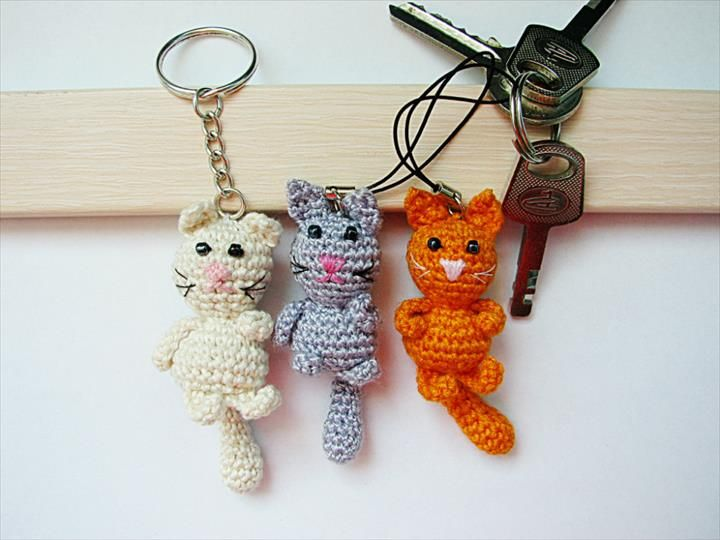 fb59548c04 62 Easy Handmade Fun Crochet Pattern Keychains | Crochet Bookmarkers ...
