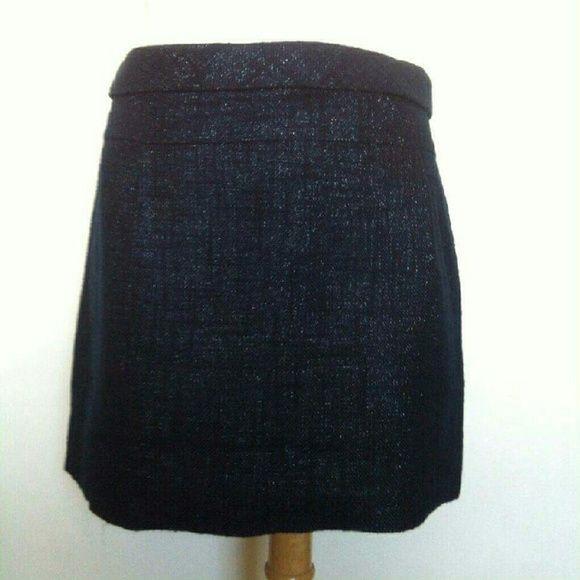 J crew cotton/ linen  skirt J crew  nice cotton  /linen skirt size 4 in perfect  condition J. Crew Skirts Mini