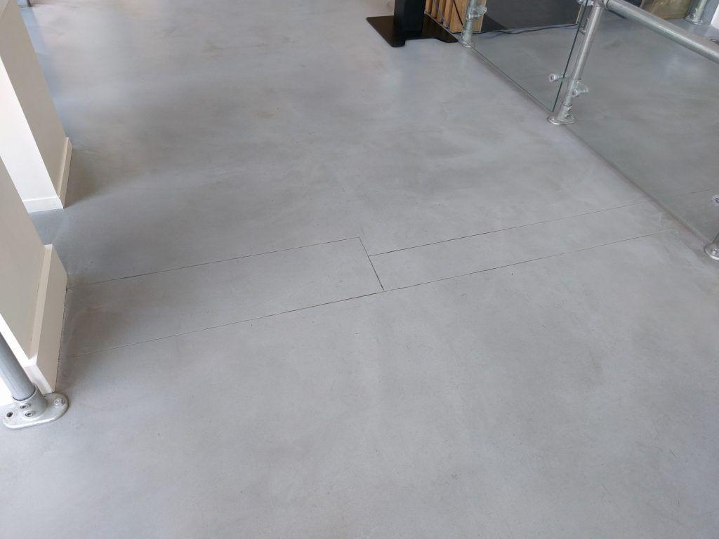 Gietvloer Woonkamer Prijzen : Gietvloer scheur dilatatie gevonden op gietvloer prijs