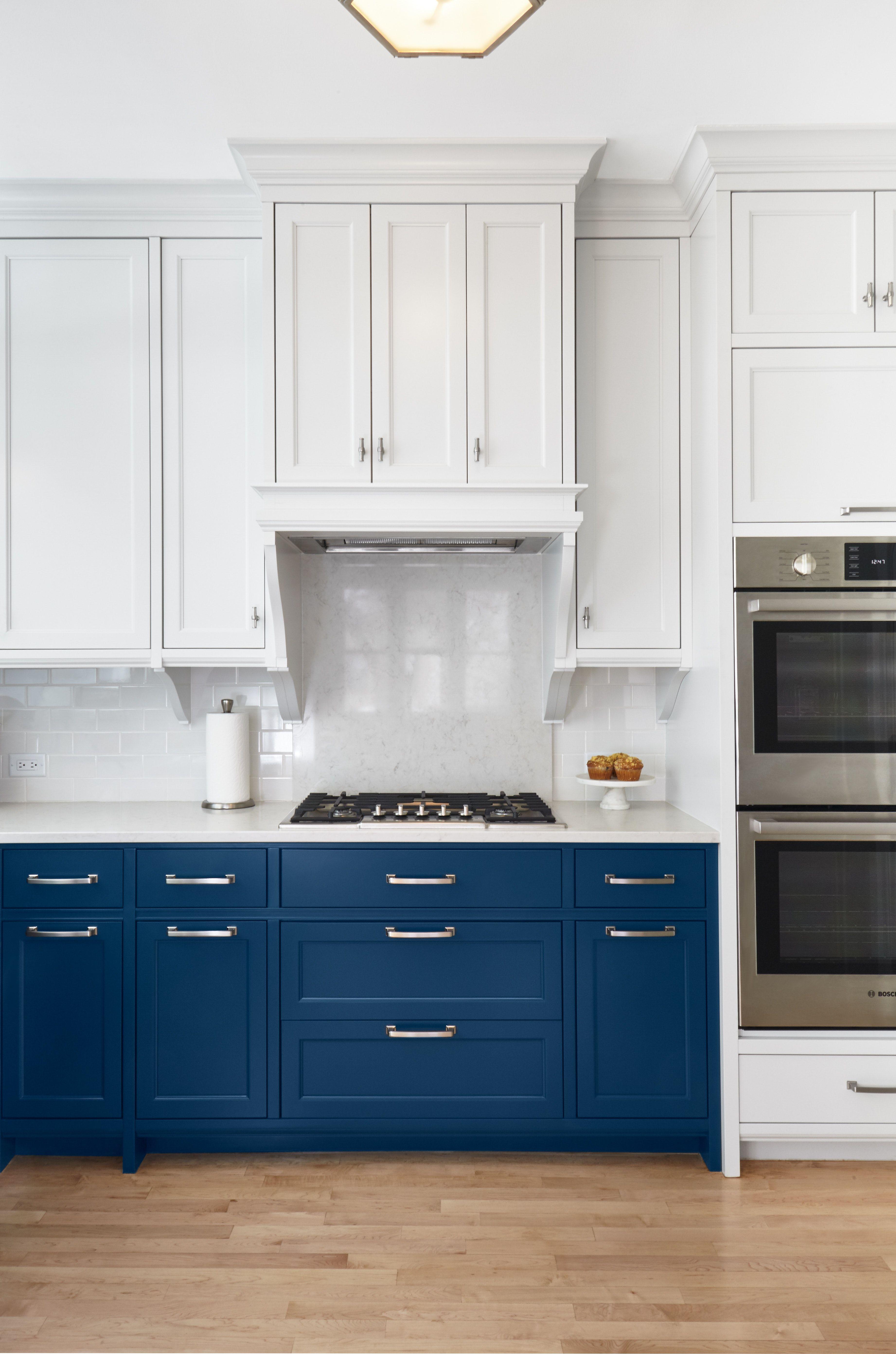 Classic Kitchen With Blue Lower And White Upper Cabinets Custom Hood Stylish Kitchen New Kitchen Cabinets Kitchen Renovation
