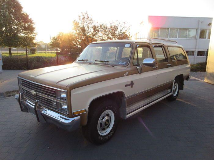 Chevrolet Suburban Scottsdale 20 1985 Chevrolet Suburban 30