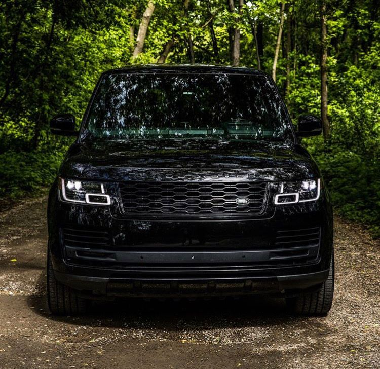 Blacked out Range Rover Vogue Autobiography 2020 Range