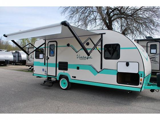2021 Gulf Stream Vintage Cruiser Vn19erd Stock 20n2009 Main Image In 2020 Cruisers Travel Trailers For Sale Small Suv