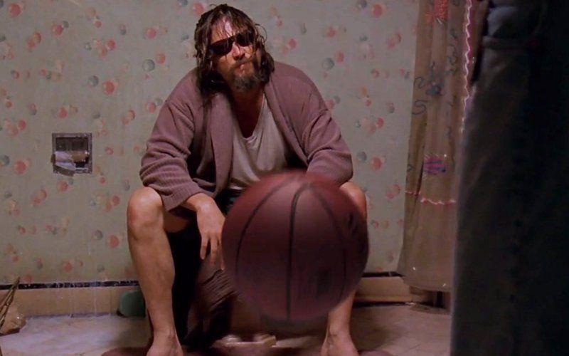"""Als genial muss man den Kurzfilm """"87 Bounces"""" von Hotubezeichnen. Ein Basketball reist durch die Filmgeschichte. Von """"Godfellas"""" zu """"2001"""" ..."""