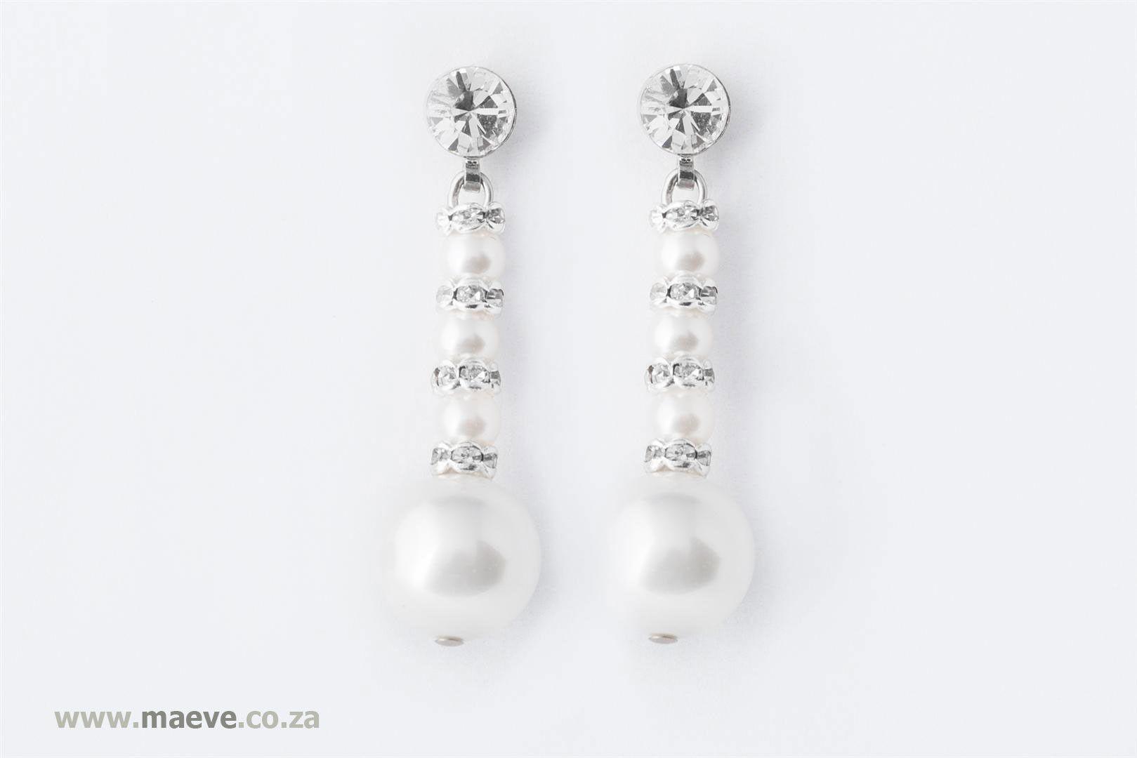 Naadhira Earrings – Maeve Styling it.