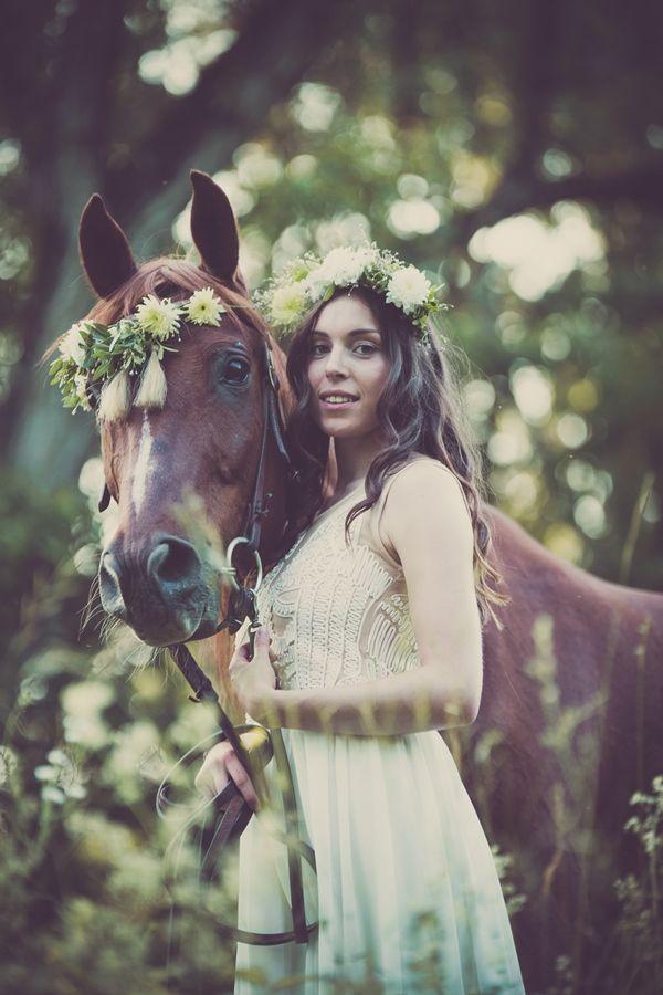 Brautshooting mit Pferd mit Fotofabrik Photography luv