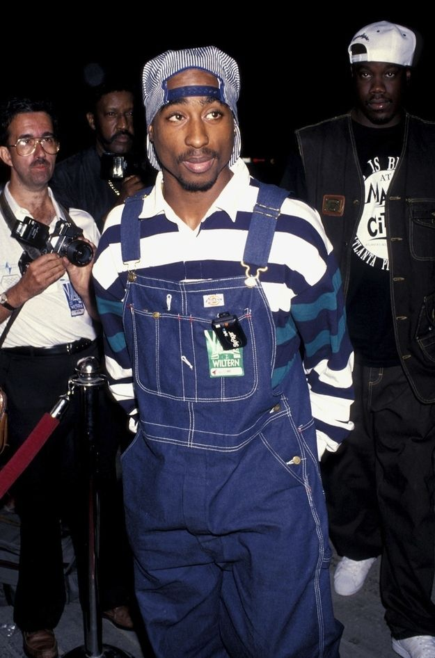 Omg Is That A Beeper Hanging Off The Front Pocket 90s Outfit Party Hip Hop 90s Hip Hop Fashion Tupac