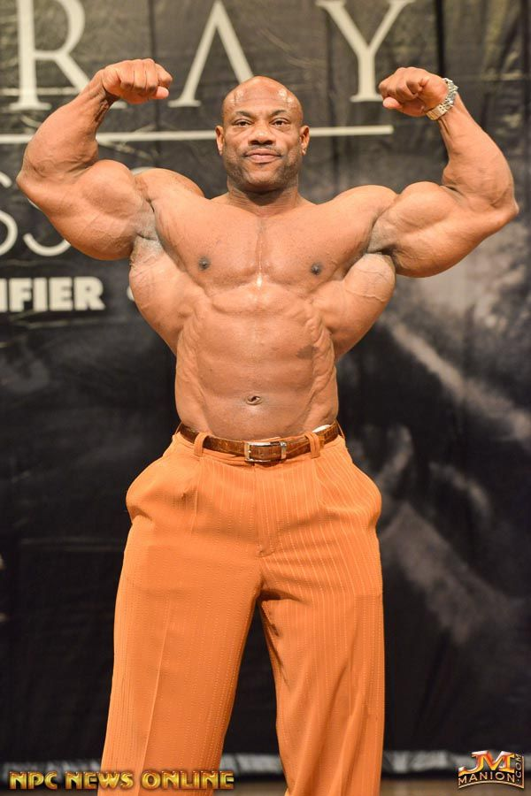 Shawn Then Talked Dexter Into Removing His Undershirt Too This Is What The 2008 Ifbb Mr Olympia Looks Like 5 Weeks Out From The 2014 Ifbb Mr Olympia