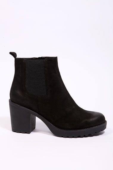 Urban Outfitters Vagabond Chelsea Boots Vagabond Shoes Boots Fashion Shoes