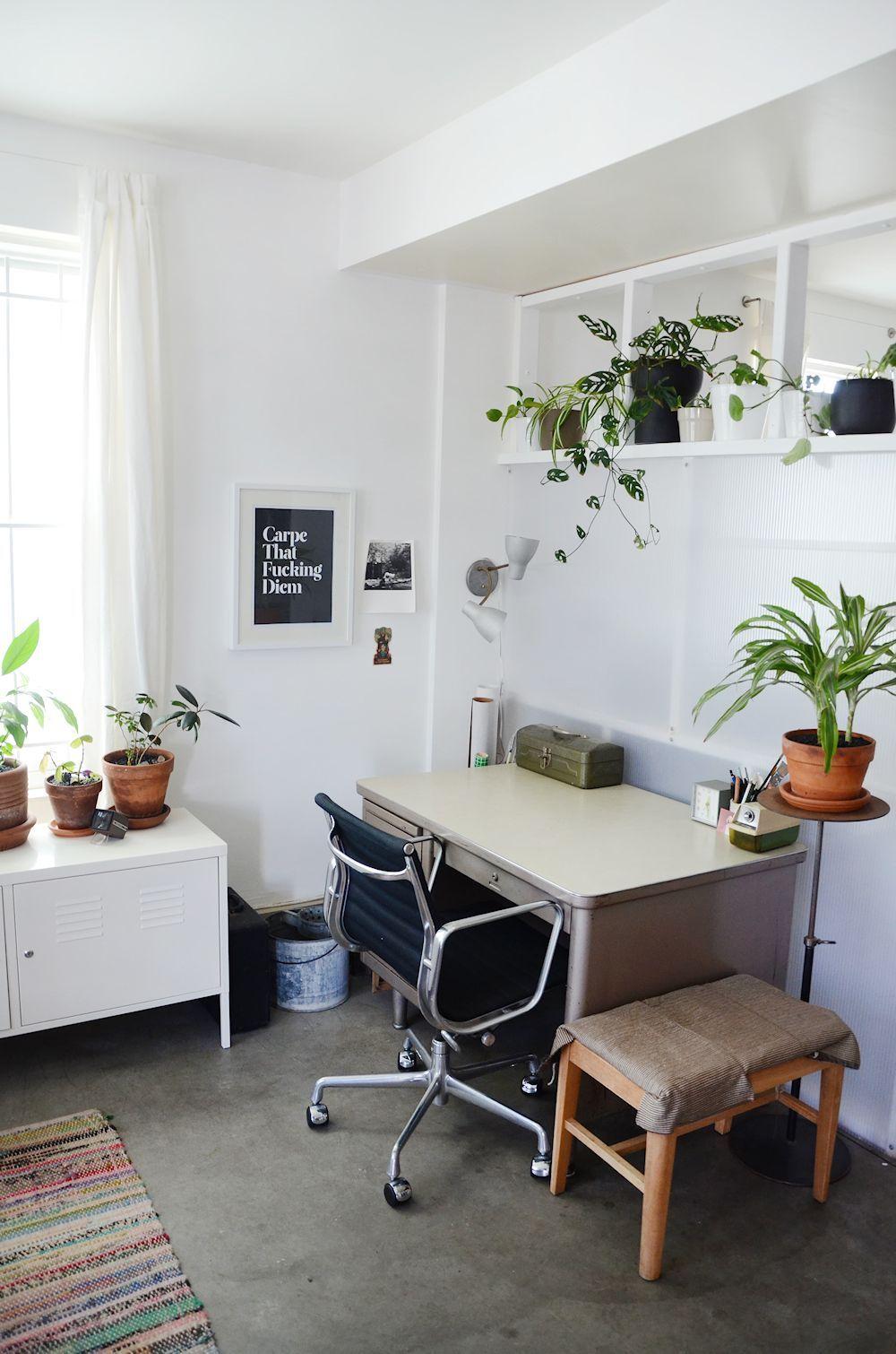 Muebles Usados Textiles Y Plantas En La Decoraci N De Un  # Muebles Cuanta Razon