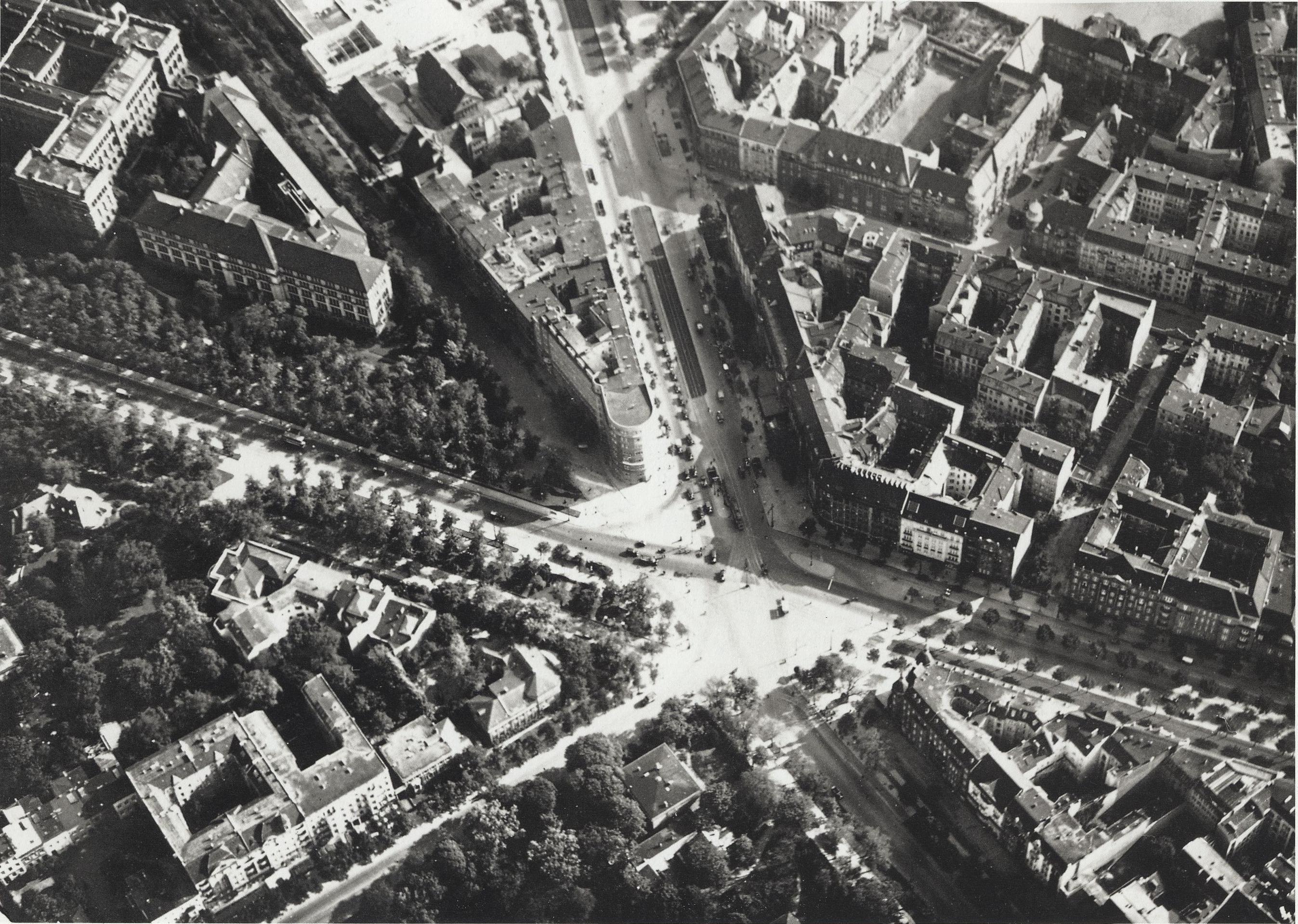 Am Knie(Ernst Reuterplatz)von oben-30er Jahre