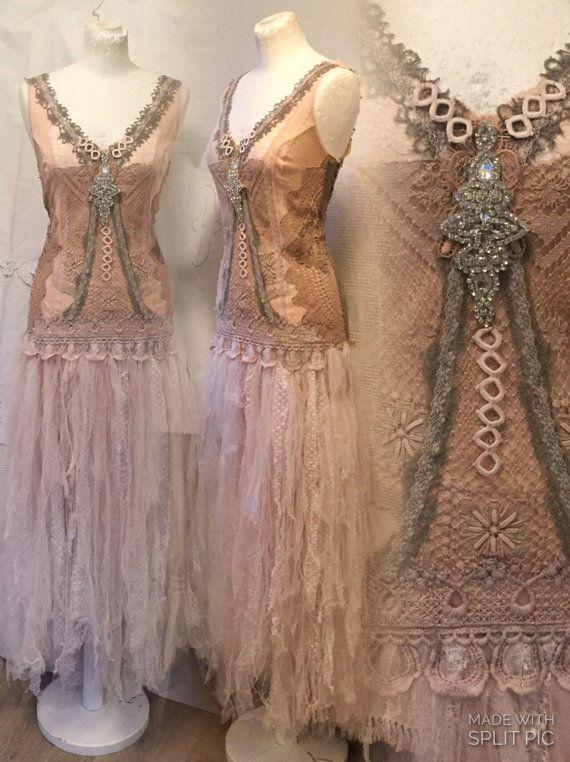 Boho trouwjurk bohemian bruiloft jurk blush van RAWRAGSbyPK op Etsy