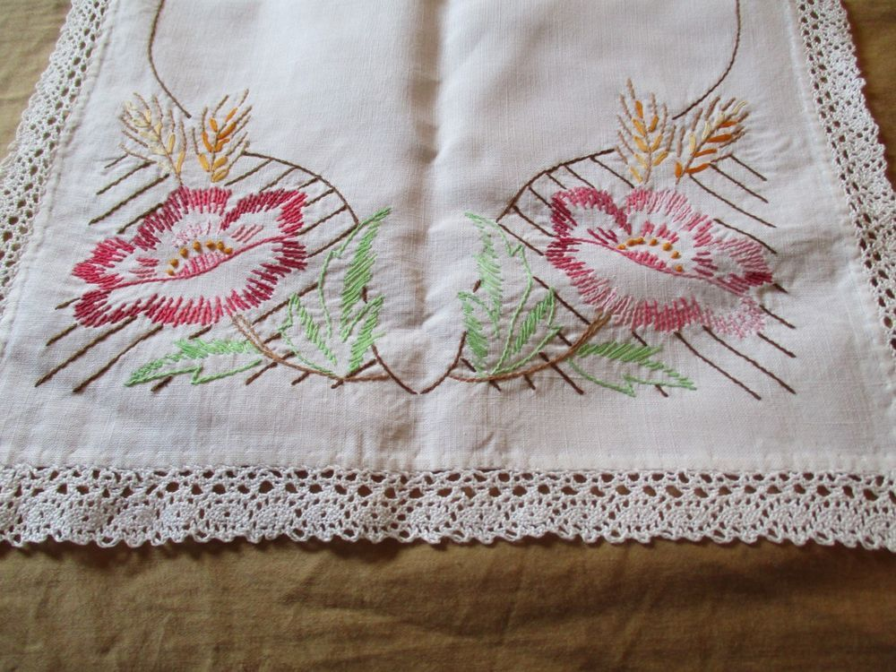 Vintage Shabby Cottage STITCHED LACE Floral Table Runner French Country Chic