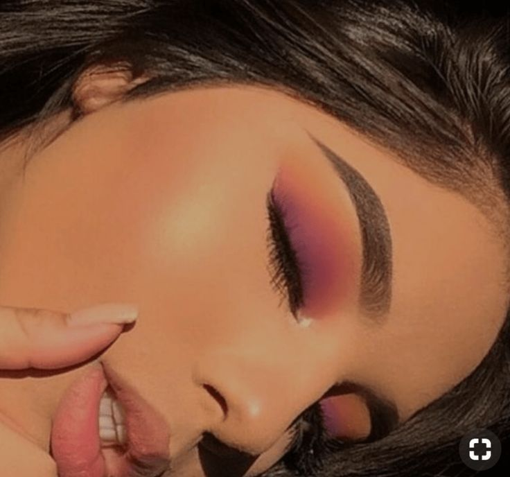 10 Make-up-Ideen mit zwei einfachen Lidschattenfarben, #einfachen #Lidschattenfarben #Makeup...