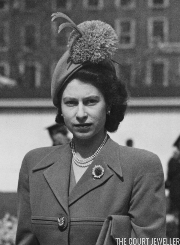 The Sapphire Chrysanthemum Brooch The Court Jeweller Royal Jewels Princess Elizabeth Her Majesty The Queen