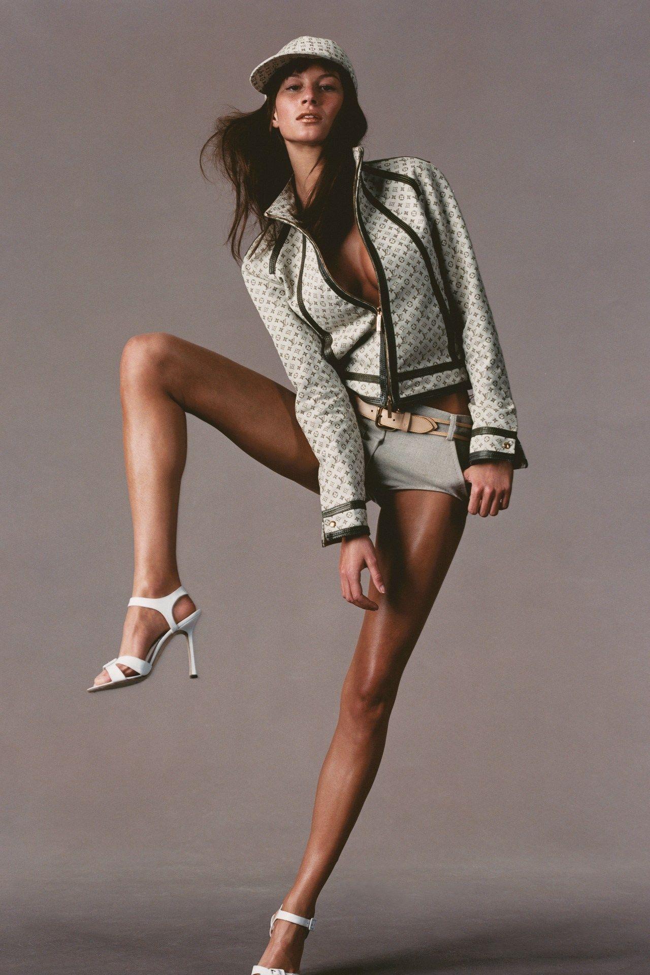 8a503652de698 Gisele Bundchen Style File  Chart the Vogue cover girl s life in the  fashion spotlight -