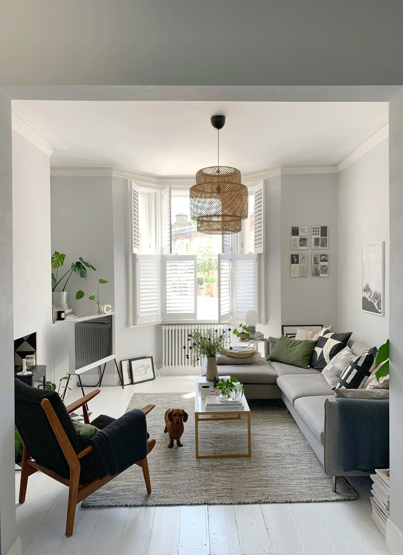 A Scandinavian Inspired London Home Is An Elegantly Simple And Inspiring Space In 2020 Scandi Style Living Room Scandi Living Room Victorian Living Room