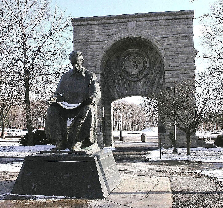 Ny Nikola Tesla Sculpture 1976 By Frano Krsinic Niagara Falls