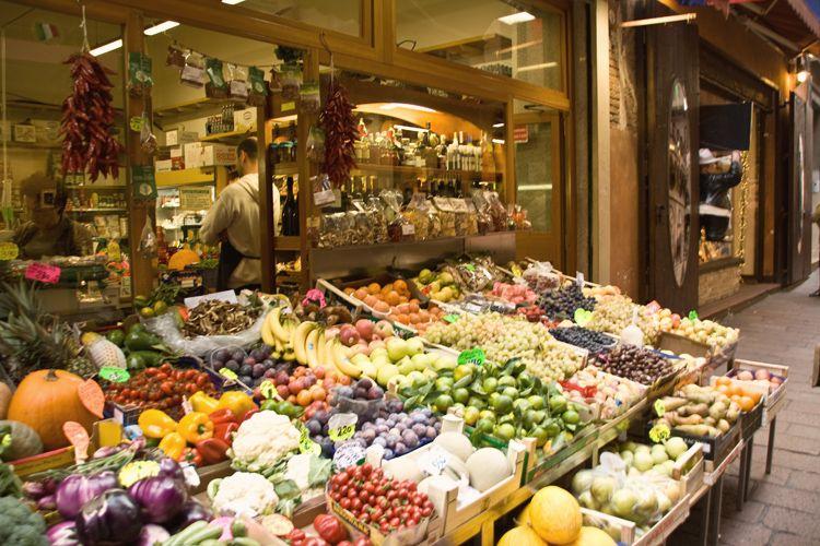 Bologna food market good eats bologna food travel for Boutique bologna