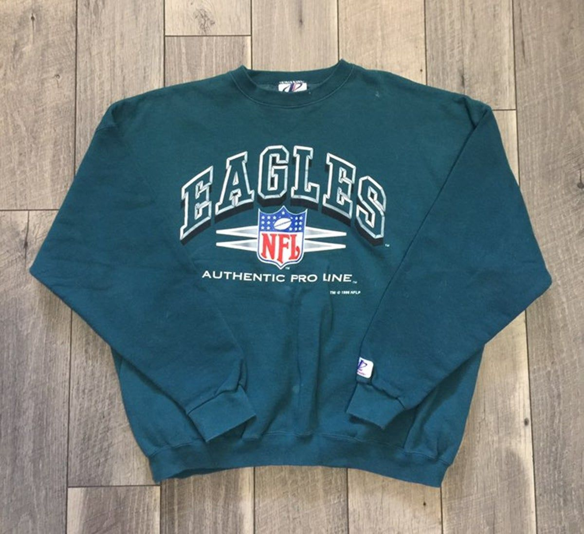 Vintage Philadelphia Eagles Sweatshirt In 2021 Sweatshirts Eagles Sweatshirt Vintage Sweatshirt [ 1098 x 1200 Pixel ]