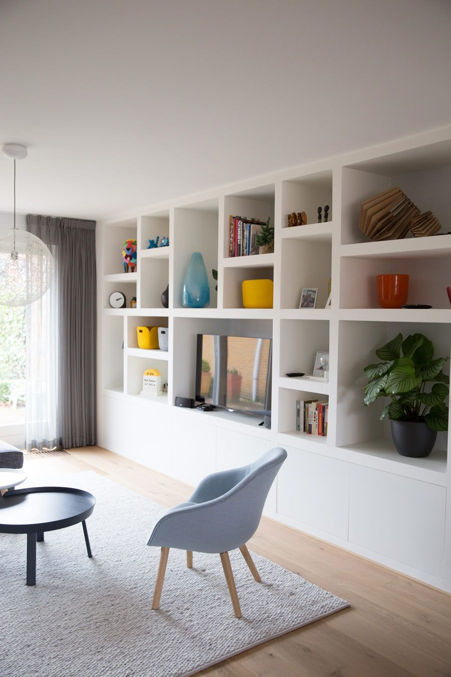 Costruire Mensole Per Libreria A Muro.Parete Attrezzata In Cartongesso Per Un Soggiorno Moderno