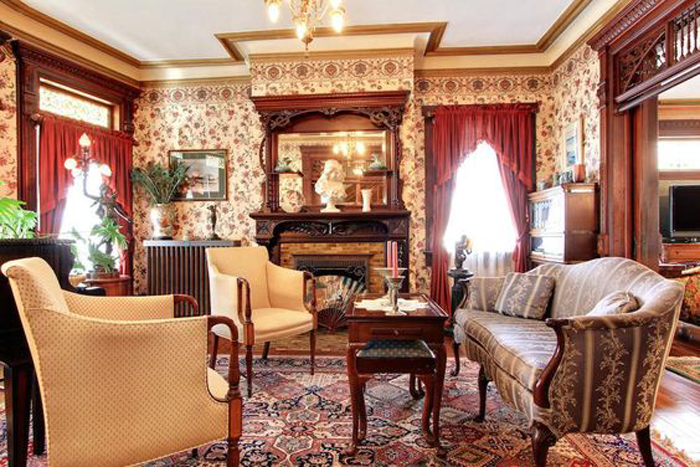 Photo of THE MAIN ELEMENTS OF THE QUEEN ANNE VICTORIAN HOME STYLE