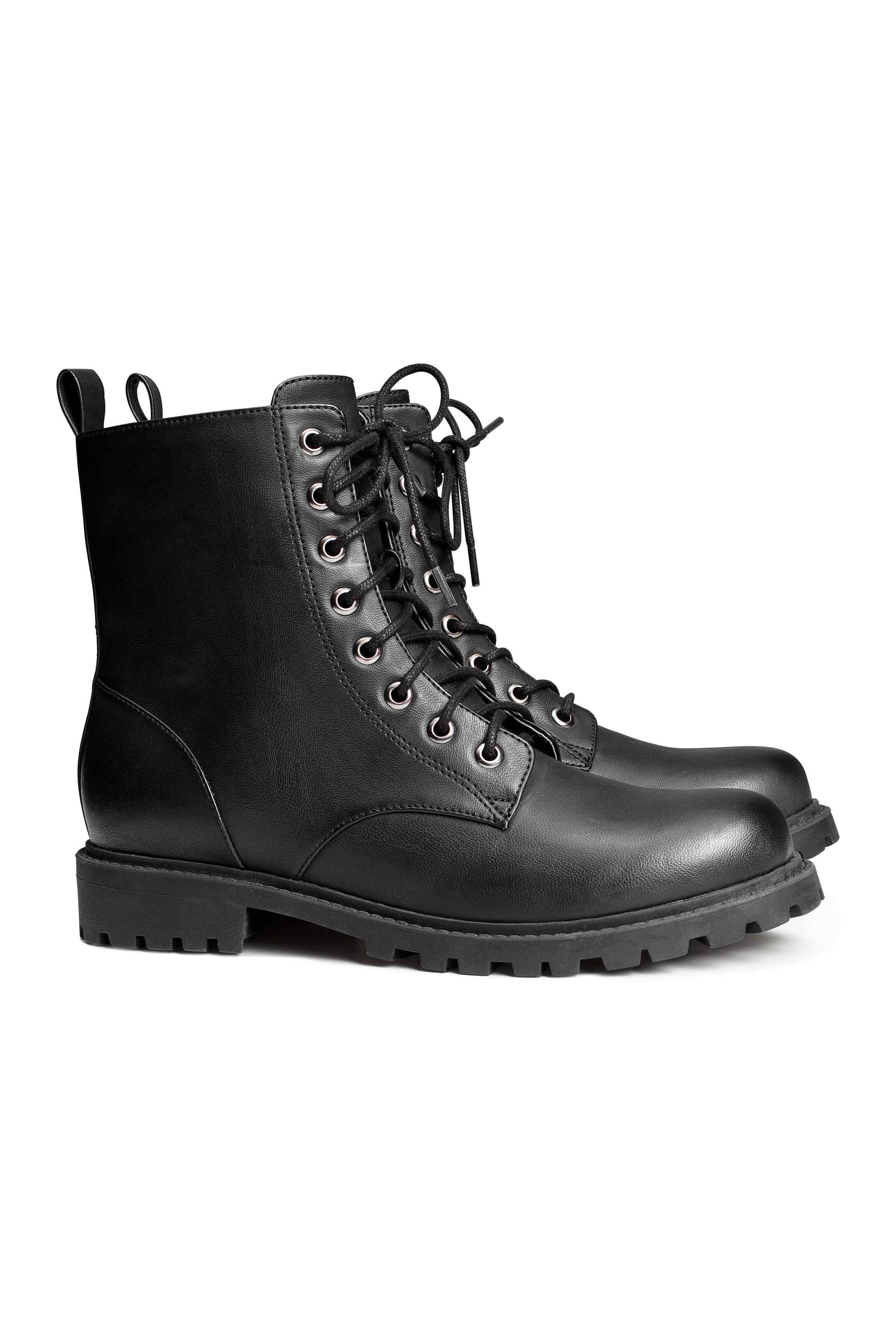 10 botines negros (planos y de tacón) de Zara, Bershka y H&M