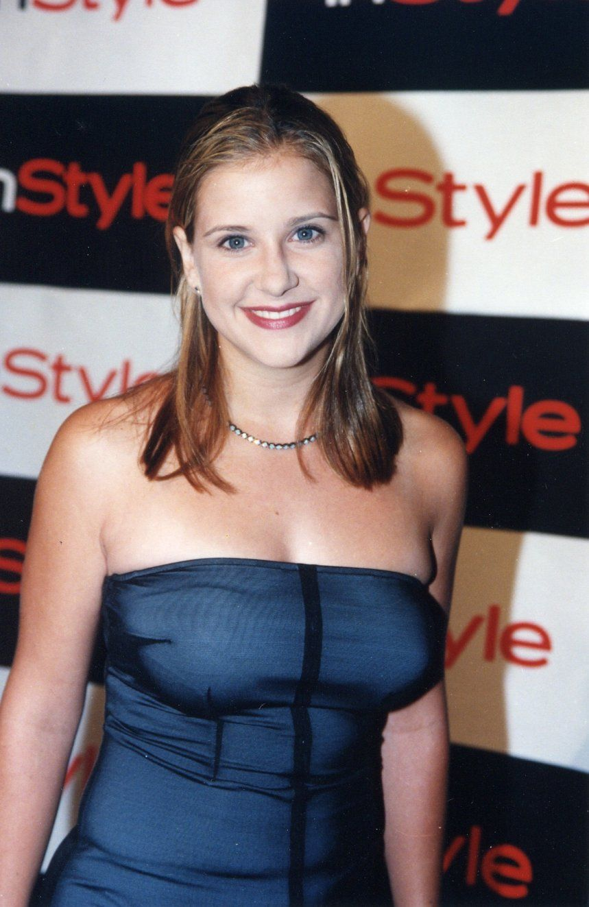 kellie-martin-hot-gathering