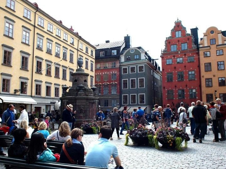 Busy square in Gamla Stan