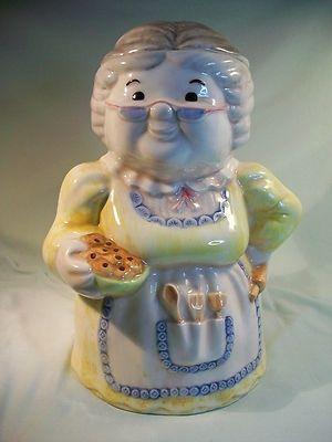 cookie jars collectibles | Collectible Treasure Craft Granny Cookie Jar ... | Cute Cookie Jars