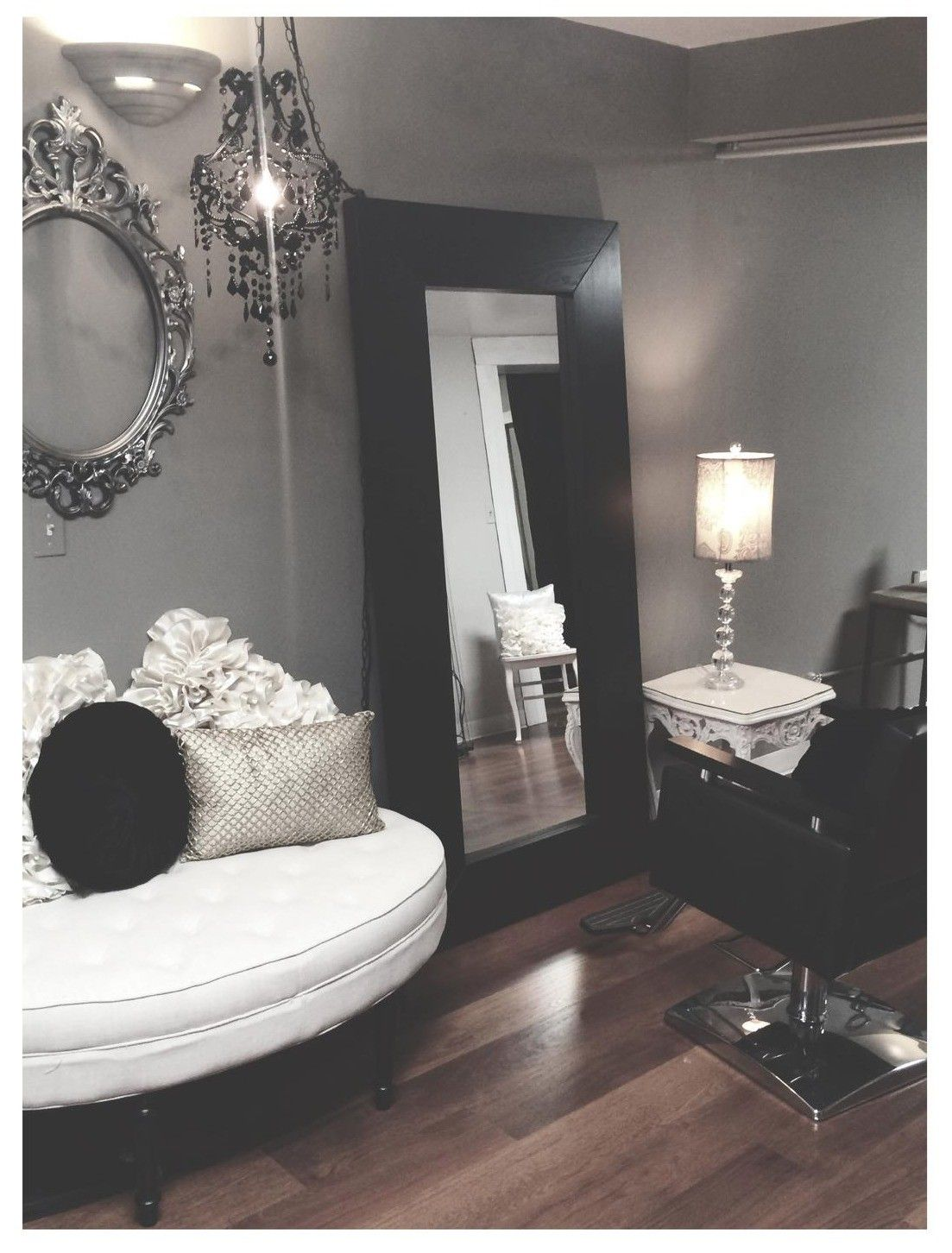 M s de 25 ideas incre bles sobre espejos para peluqueria for Sillas para tocador
