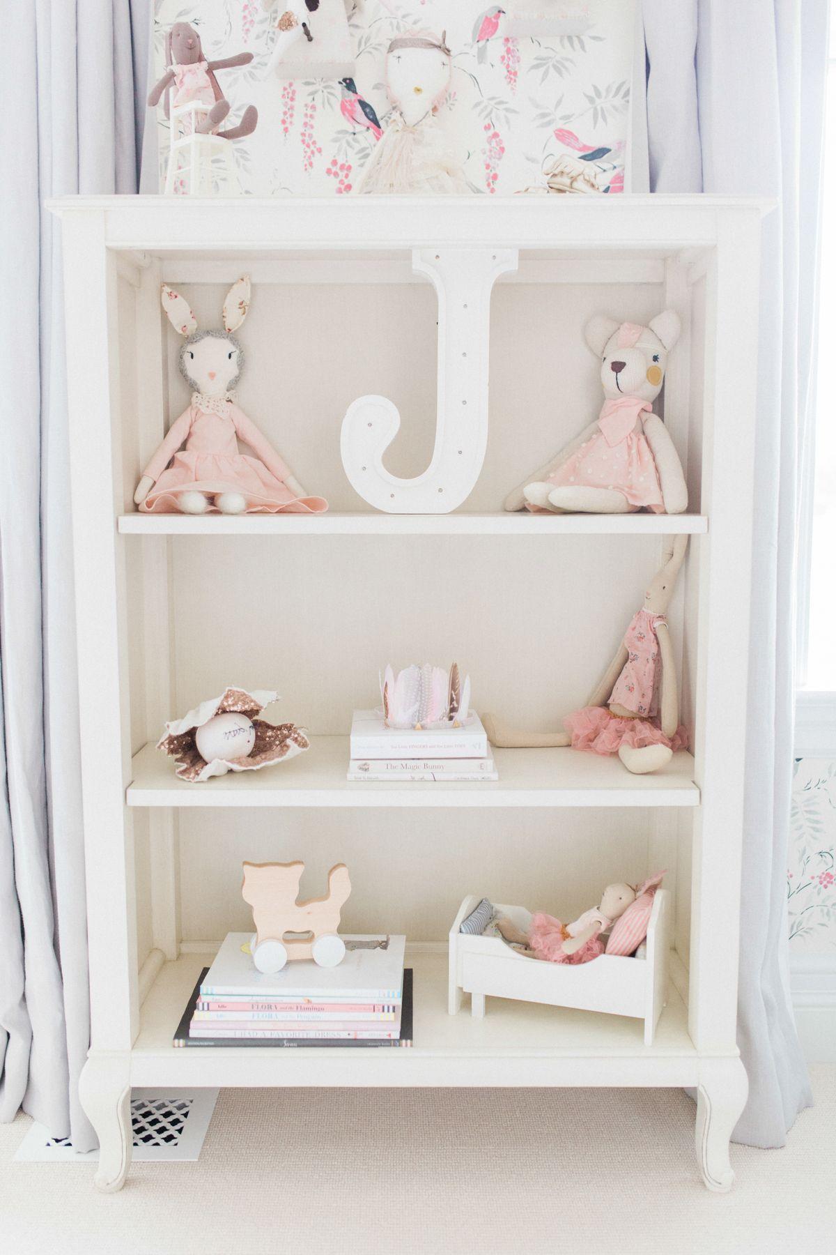 Juniper S Vintagey Bird Wallpaper Nursery Project Nursery Nursery Shelves Nursery Room Design Girl Nursery