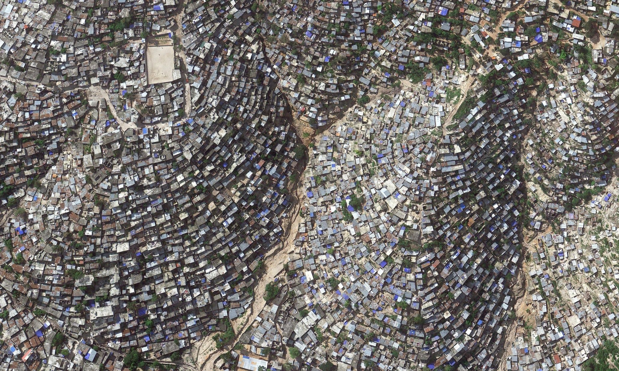 Overpopulation Overconsumption In Pictures Port Au Prince Haiti - Vol paris port au prince