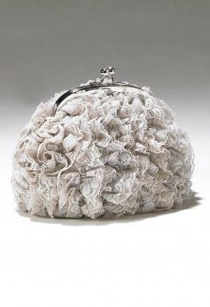 "Fringe kiss lock handbag features:•20"" metal chain strap•Inner pocket•Kiss lock closure"